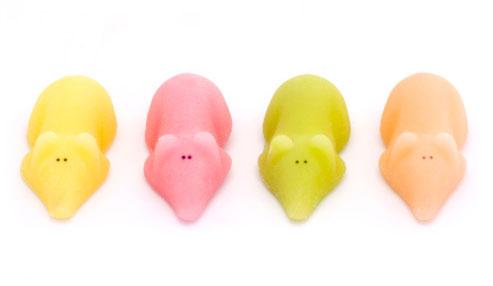 4 different colour sugar mice